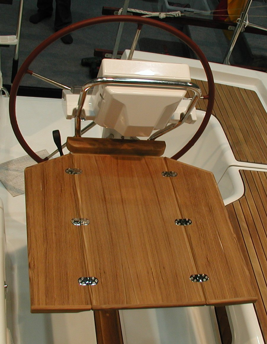 View cockpit table, steering column, Beneteau Oceanis 31/37