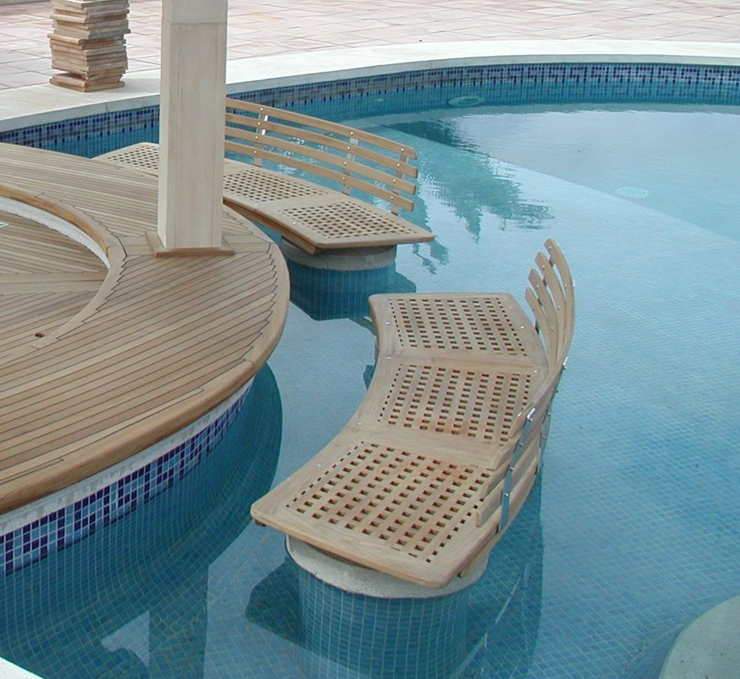 View on a grating for the poolbar