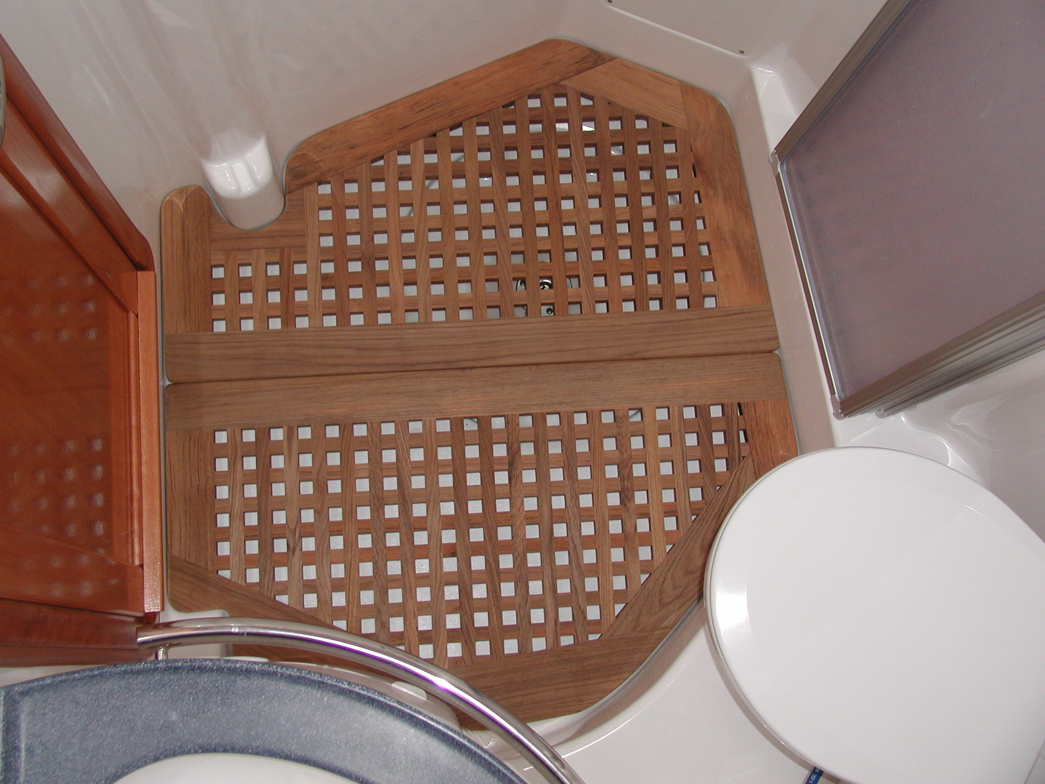 View on a grating for a head, Bavaria powerboat